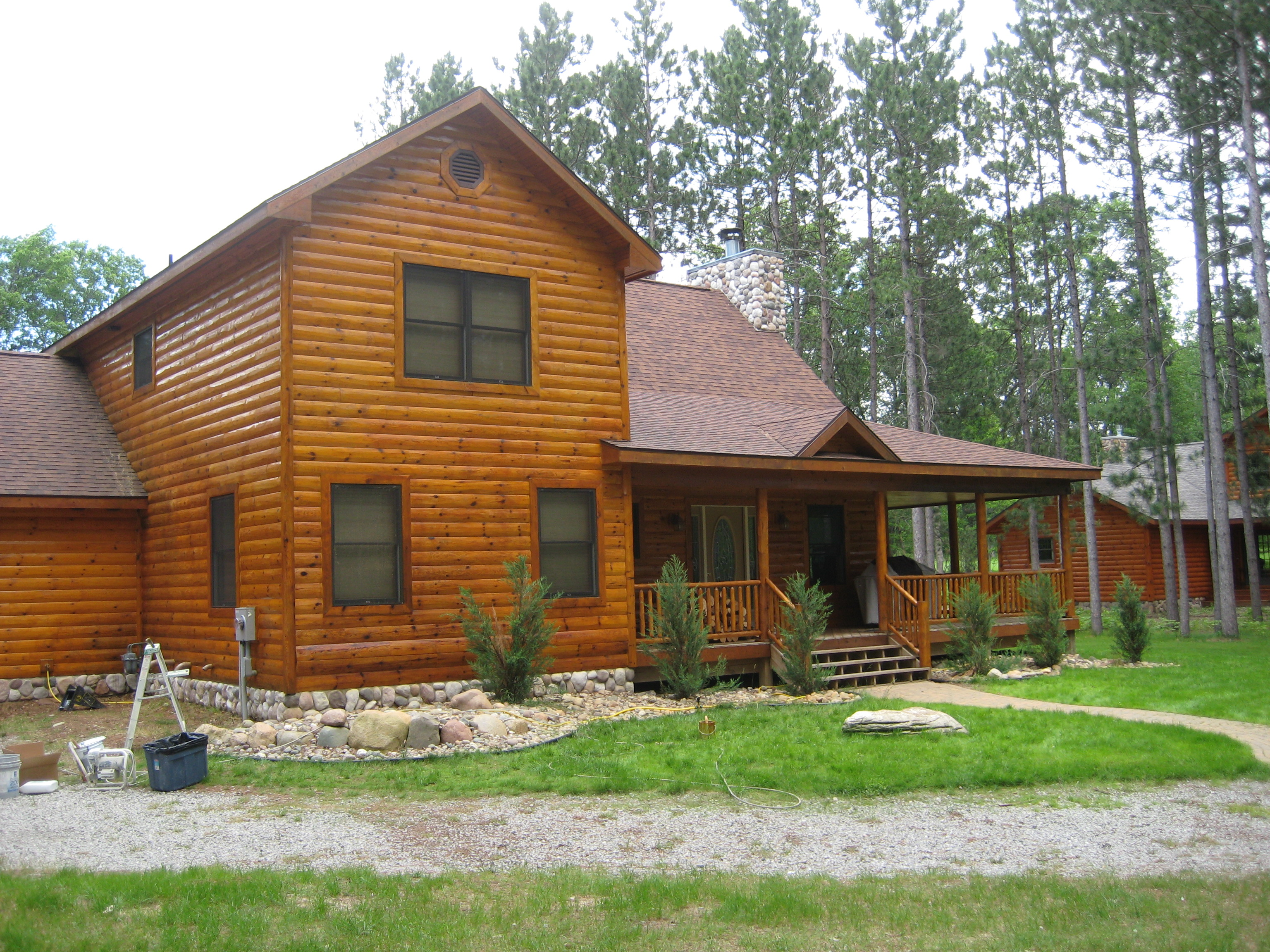 Refinish your log cabin for Log cabin painting